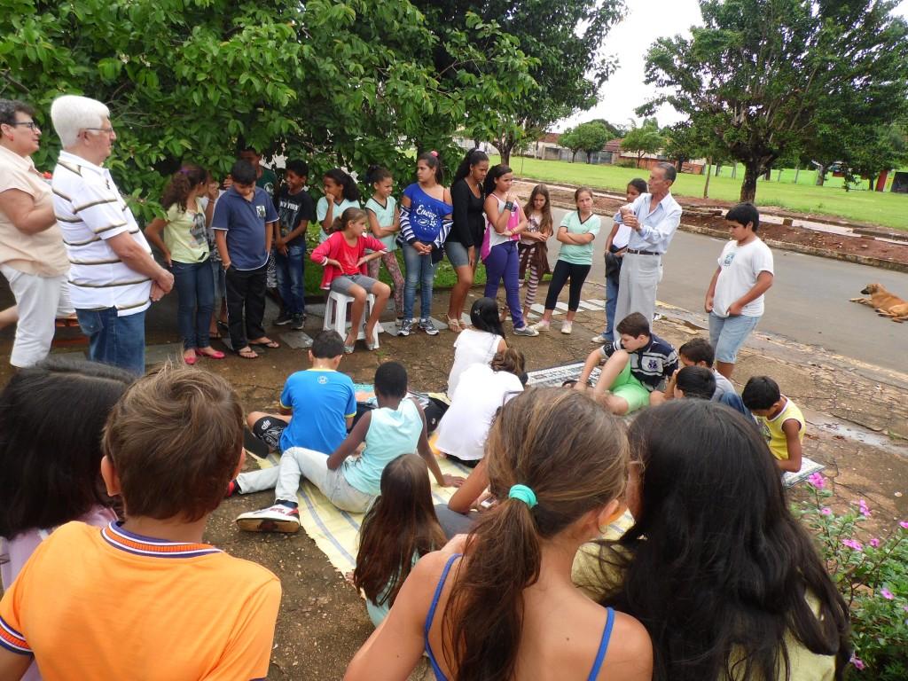 PAEM Conego Goiabeira com escritores 051